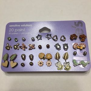 BRAND NEW Claire's 20 Pairs of Earrings